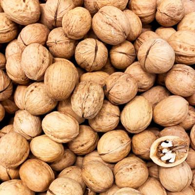 Walnuts, unpeeled